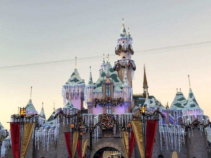I am obsessed with Disneyland, but even more so during the holidays.